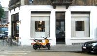 23_facade-et-moto-jaune-03600.jpg